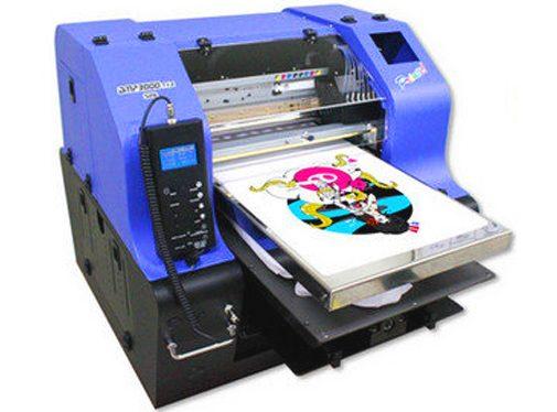 Stroj slúži na plošnú potlač zapaľovačov, pier a rôznych iný spotrebných reklamných predmetov